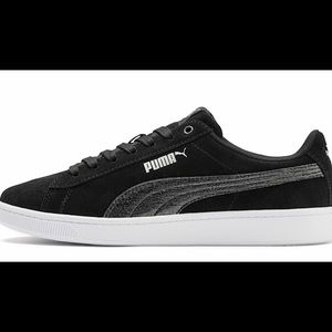 NWT Puma Sneakers